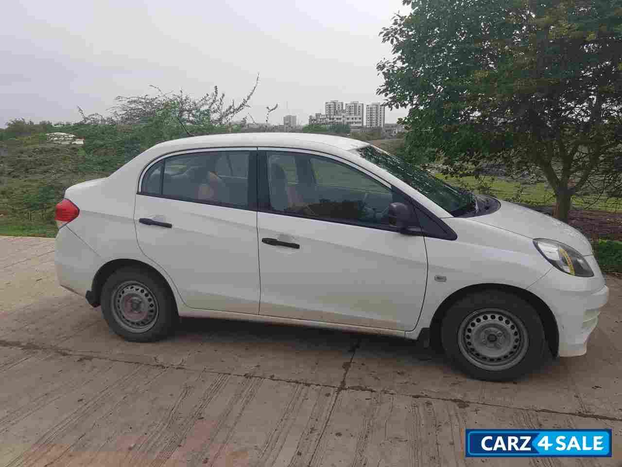 Used 2014 Model Honda Amaze 1 5 E I Dtec For Sale In Rajkot Id