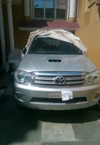 Toyota Fortuner 3.0 4x4 MT 2010 Model