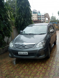Toyota Innova 2.5 V 7 STR 2010 Model