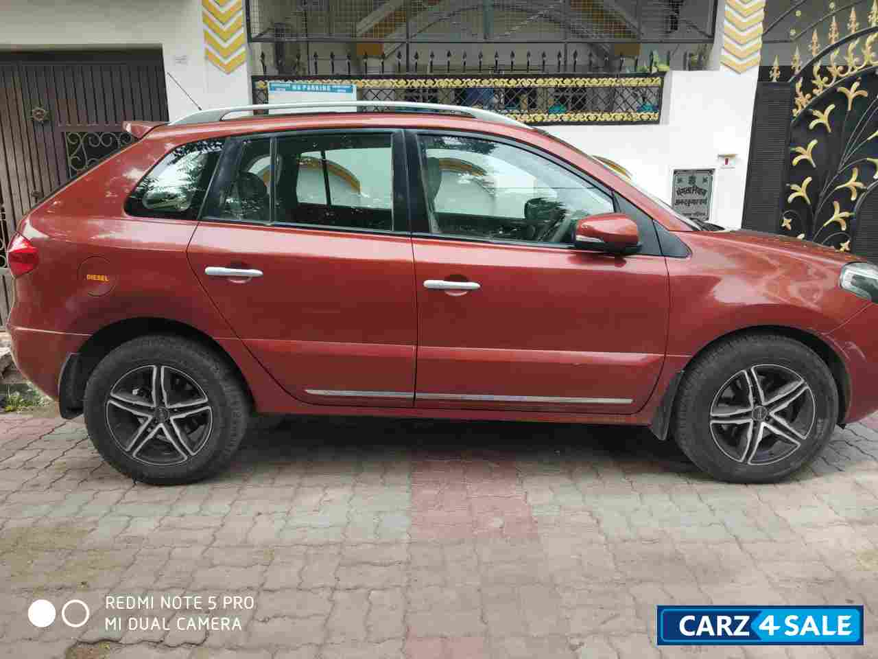 Red Renault Koleos 4x4 AT