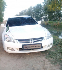 Honda Accord 2.4 Elegance MT 2005 Model