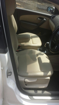 White Volkswagen Vento Petrol Highline AT