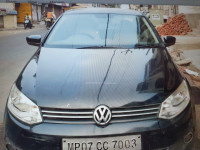 Volkswagen  Vento highline 1.6 2011 Model