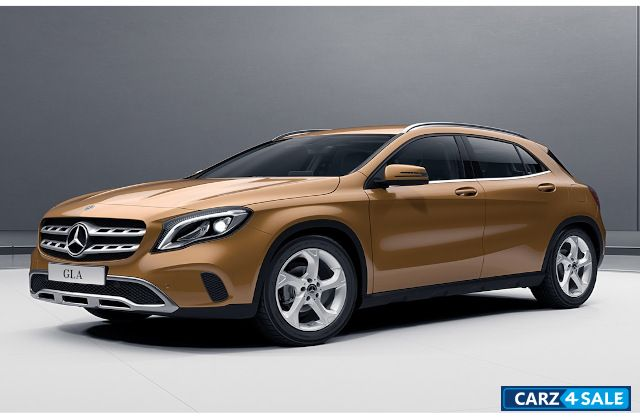 Mercedes-Benz GLA Style 200d Diesel AT