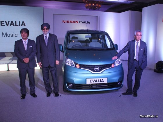 Officials Unveil Nissan Evalia