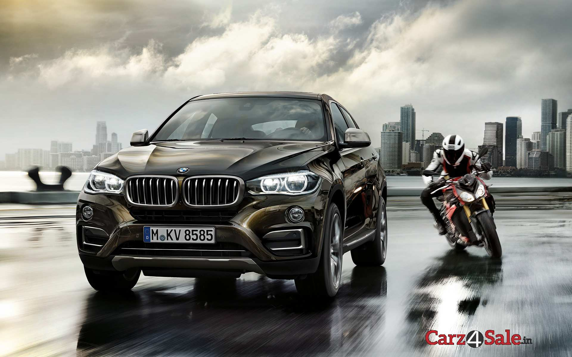 2015 Bmw X6 Front Right Angle