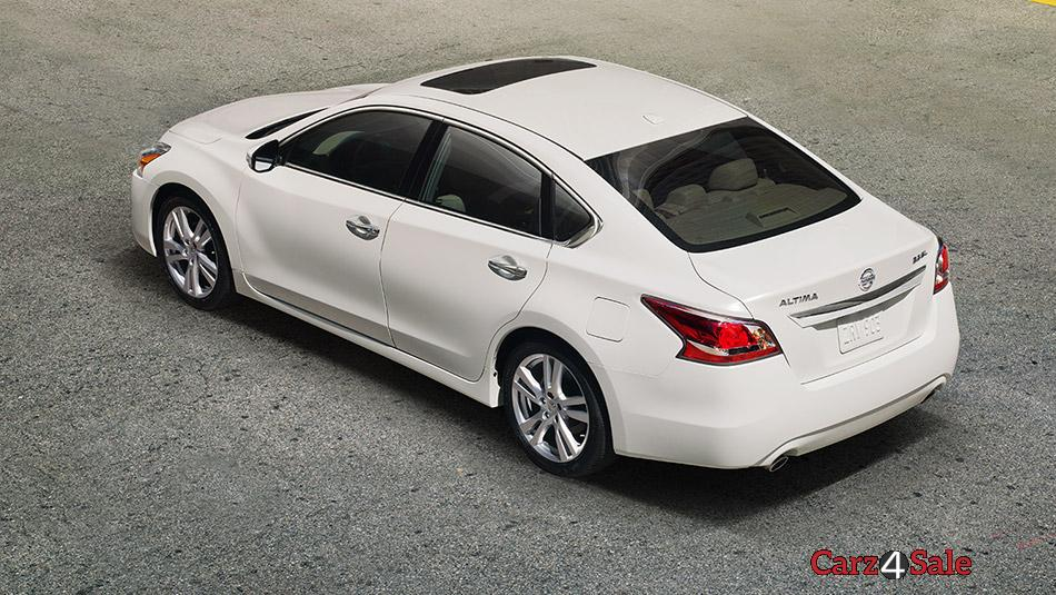 2015 Nissan Altima Rear Top View