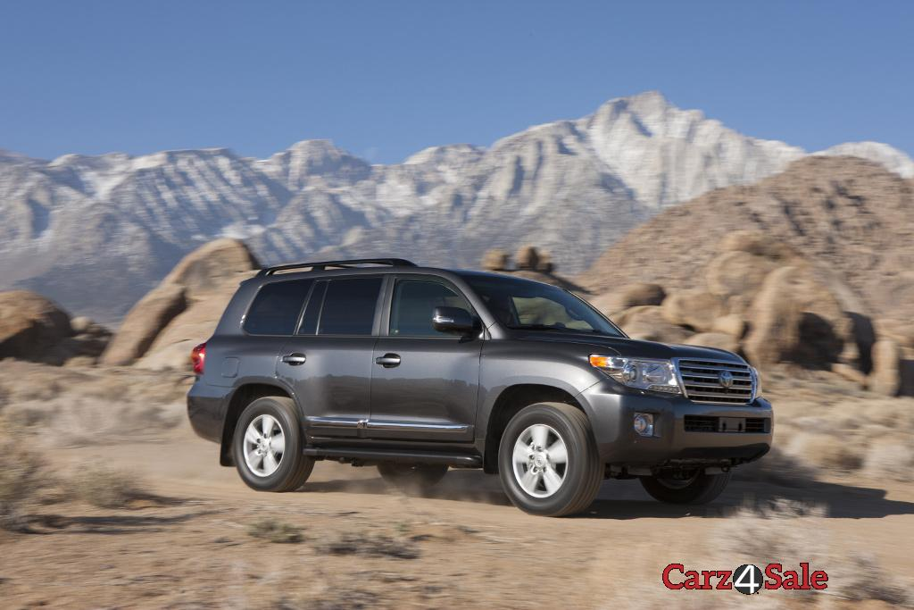 2015 Toyota Land Cruiser Front Side Right Angle
