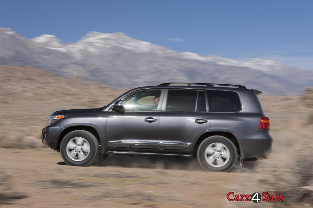 2015 Toyota Land Cruiser Side Left View