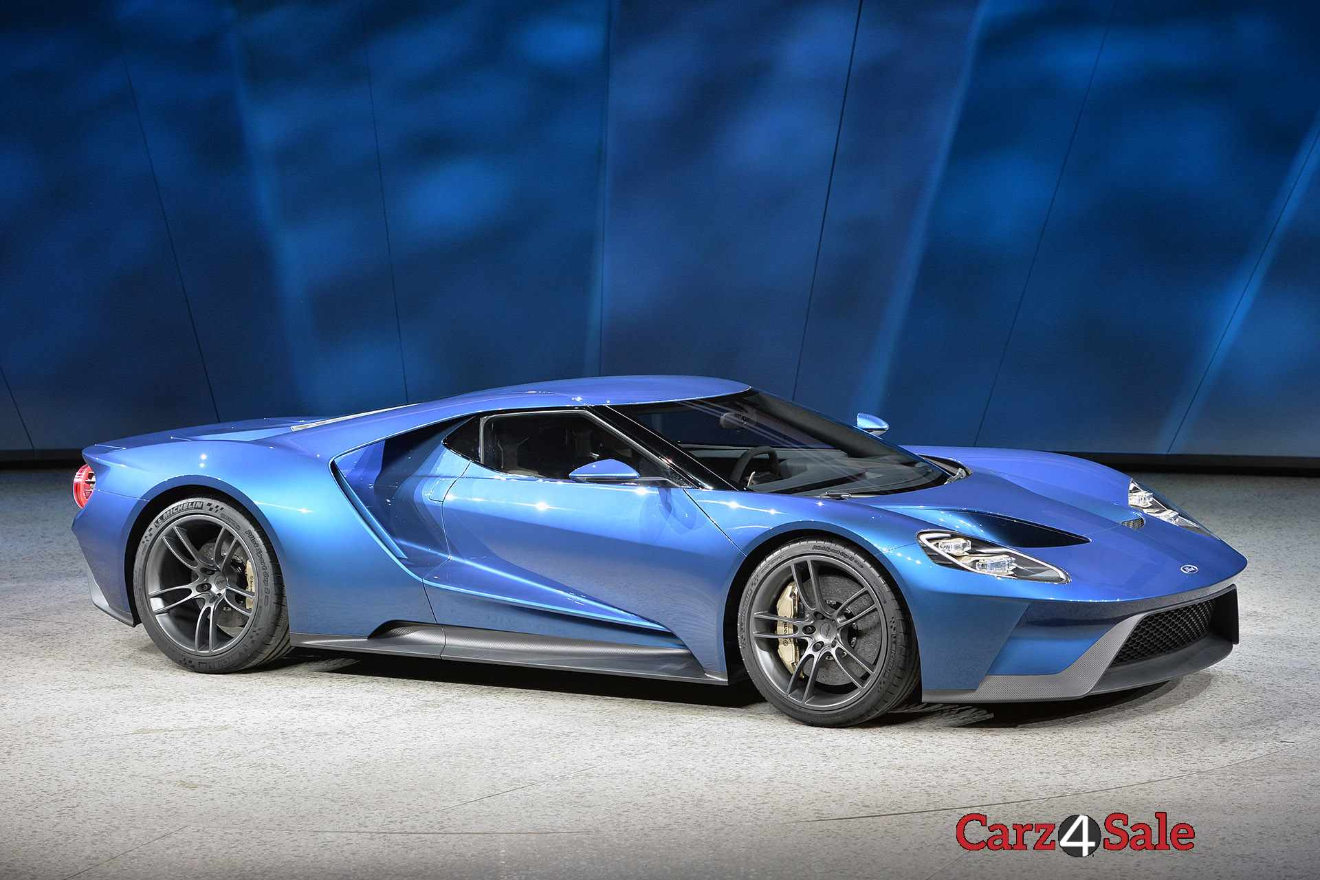 2016 Ford Gt Side Right View